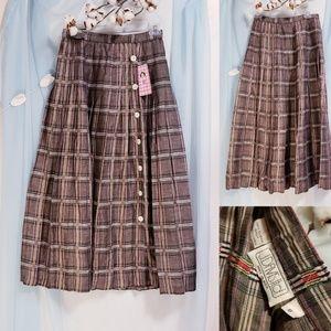 J. Davis Ltd. Plaid side Button Skirt size 8🦄💕